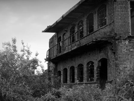 abandoned-building-01cmp