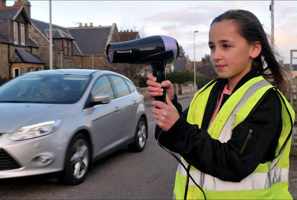 Hair-dryer-used-speed-cameras-scare-off-motorists-Hopeman-840350
